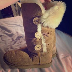 Uggs Bailey Button Triplet II Boot